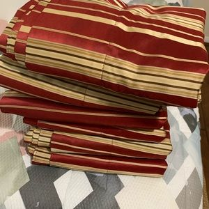 Better Homes And Gardens Accents - Better Homes & Gardens Red & gold 6 panels stripes